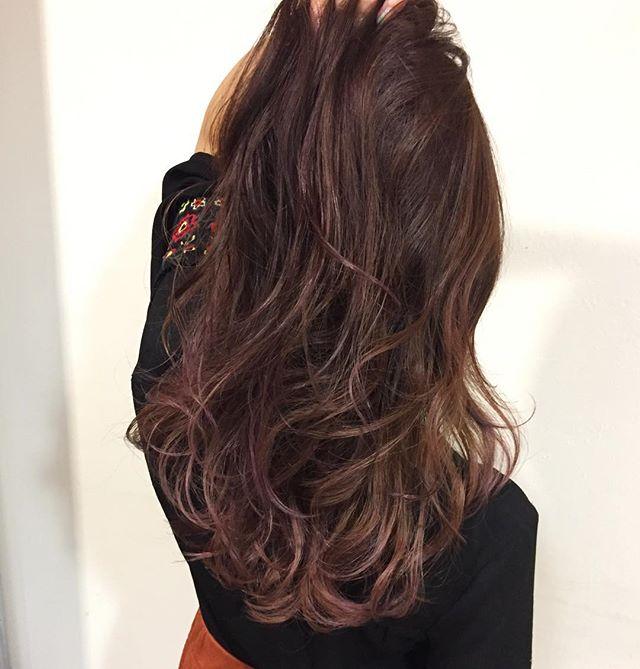 明るめのパープルの髪色