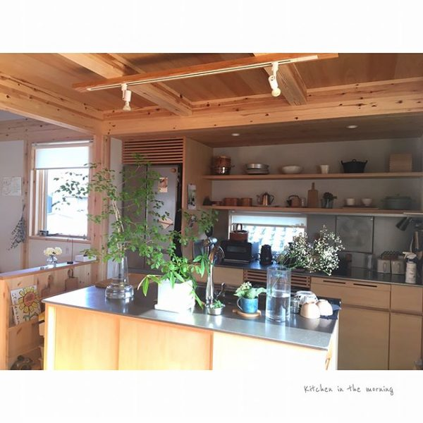 木のぬくもりを感じるキッチン