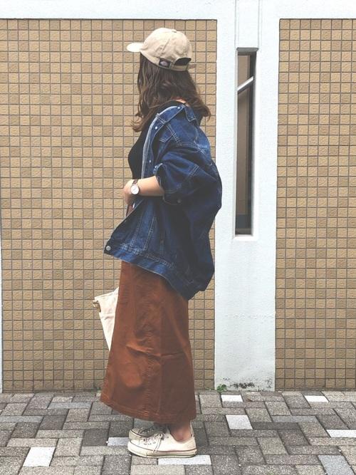 スニーカー×スカートの秋コーデ12