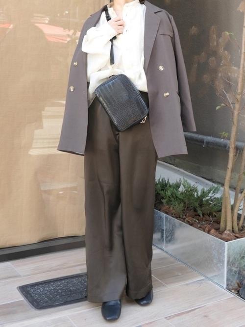 福岡 10月 服装 パンツ8