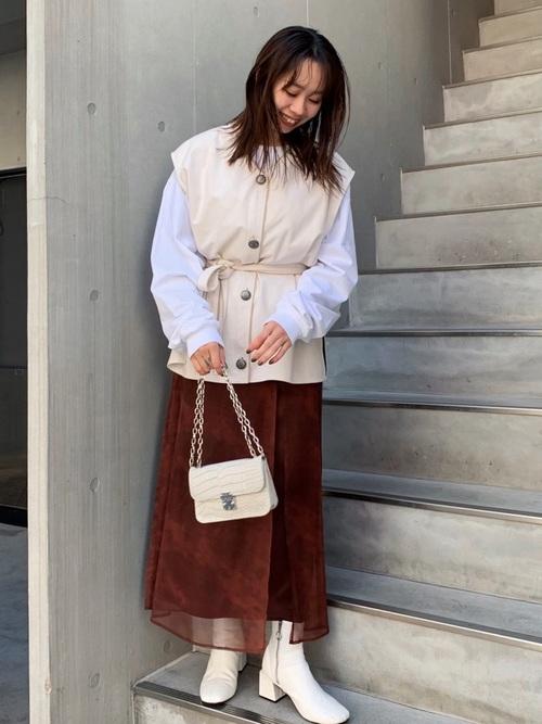 ホワイトロンT×スリットスカート