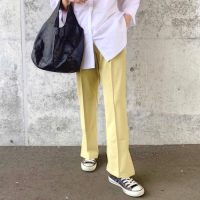 黒スニーカーの秋コーデ【2020】おしゃれに差がつくレディースの着こなしを紹介!