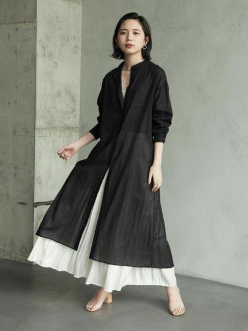 ワンピース+スカート全身黒コーデ