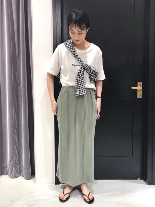 夏 チェックシャツ×ロゴTシャツ×スカート