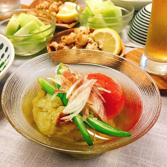 ヘルシーで人気のおつまみ!夏野菜の冷やし鉢
