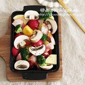 おもてなしに!野菜とベーコンのぎゅうぎゅう焼き