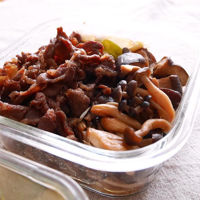 簡単な常備菜に!牛肉ときのこのすき煮