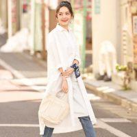 夏の白シャツワンピースコーデ【2020】おしゃれなインナーや靴の合わせ方は?