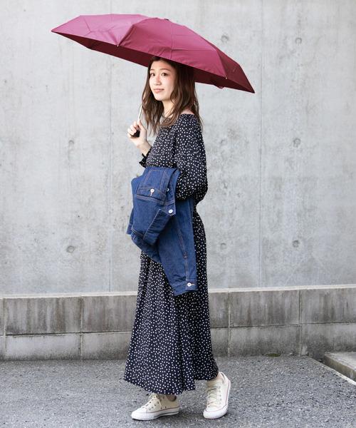 デニムジャケット×ワンピースの雨の日コーデ