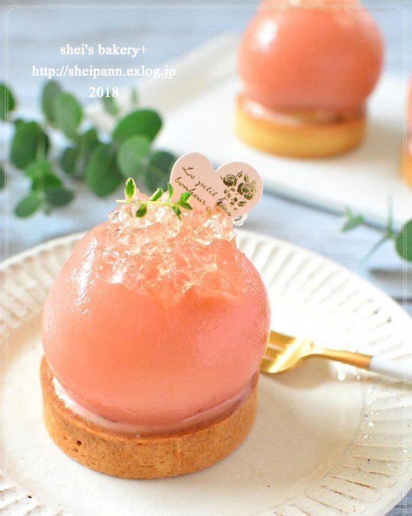 桃の人気デザートレシピ!丸ごとタルト