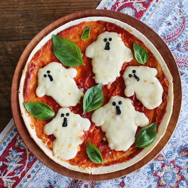 ハロウィンパーティーの料理に!おばけピザ