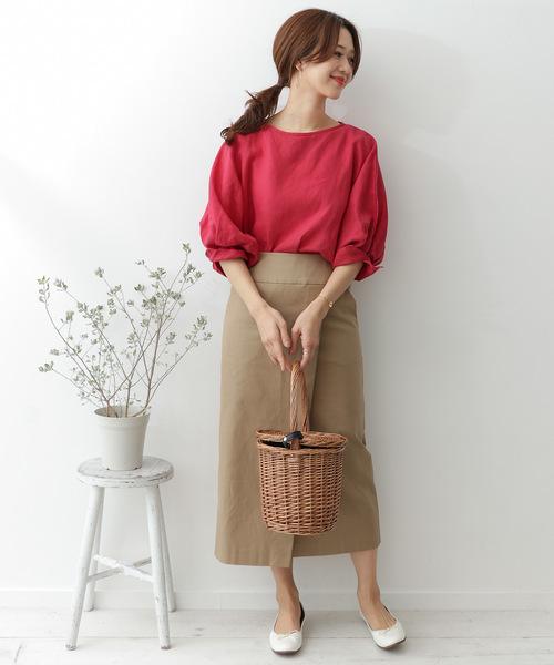 ドルマンスリーブブラウス×タイトスカート