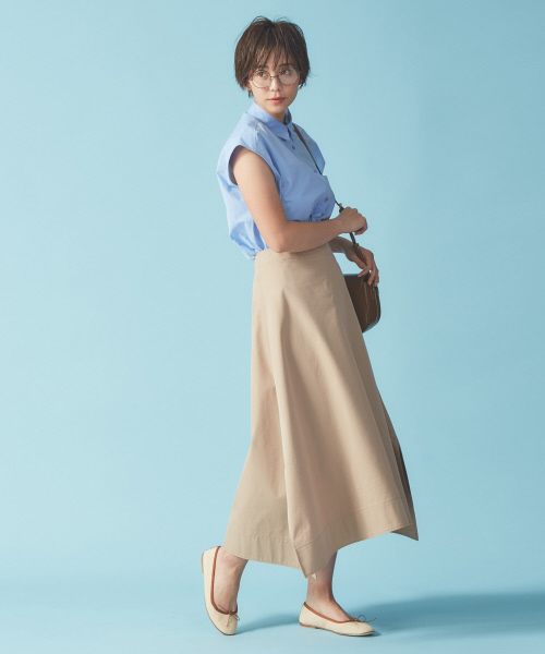 Aラインが際立つフレアスカート