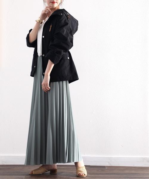 マウンパ×マキシスカートの服装