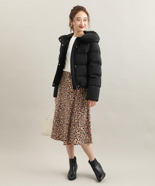 ダウンジャケット×スカートの雨の日コーデ