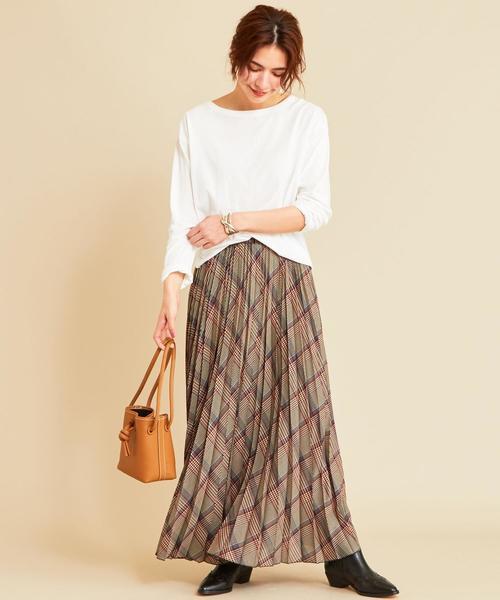 長袖Tシャツ×プリーツスカートの秋コーデ