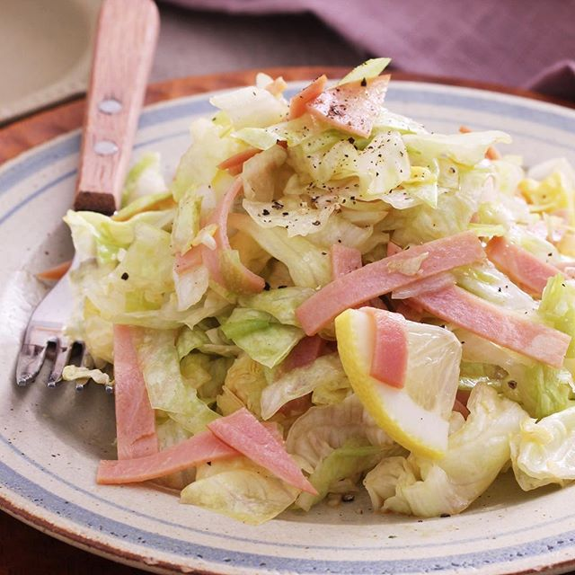 ザクザク細切りレタスとハムのレモンぽん酢サラダ