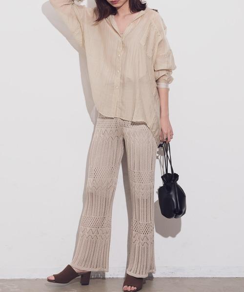 シアーシャツ×透かし編みパンツ