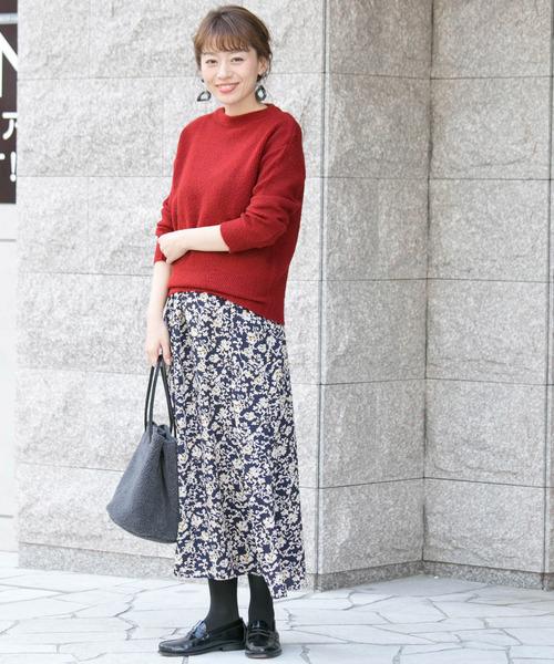 ざっくりニット×花柄レディーススカート