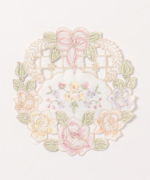 バラの刺繍が可愛いリボンローズコースター