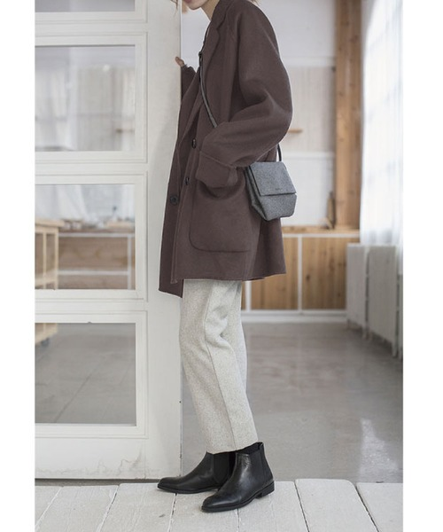 ウールタッチコート×パンツの服装