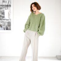 グレーワイドパンツの秋コーデ【2020】今年っぽくきれいめに着こなすには?