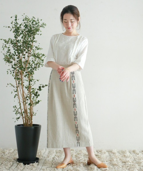 [NOMBRE IMPAIR] ラグ刺繍 ストレートスカート