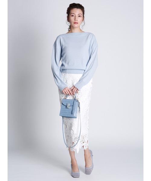 白レースタイトスカート×水色ニットの秋コーデ