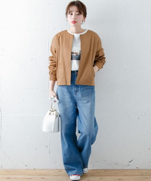 ノーカラーブルゾン×パンツの服装