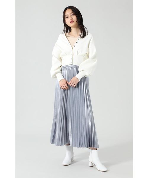 白カーディガン×グレースカートの秋コーデ