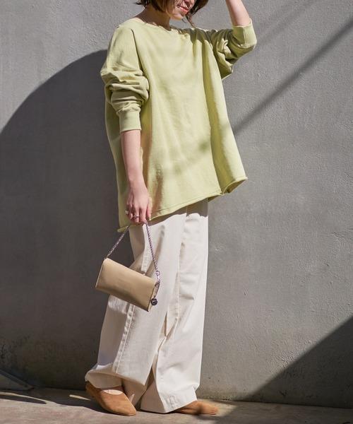 緑スリットTシャツ+ワイドパンツの春コーデ