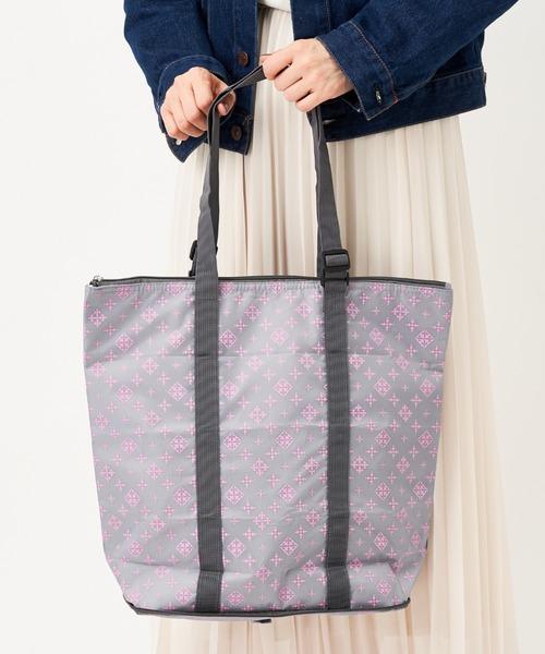 たっぷりのマチ付きでお洒落に使える保冷バッグ