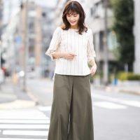カーキ色ワイドパンツの秋コーデ【2020】暗くならない大人女子のおしゃれスタイル