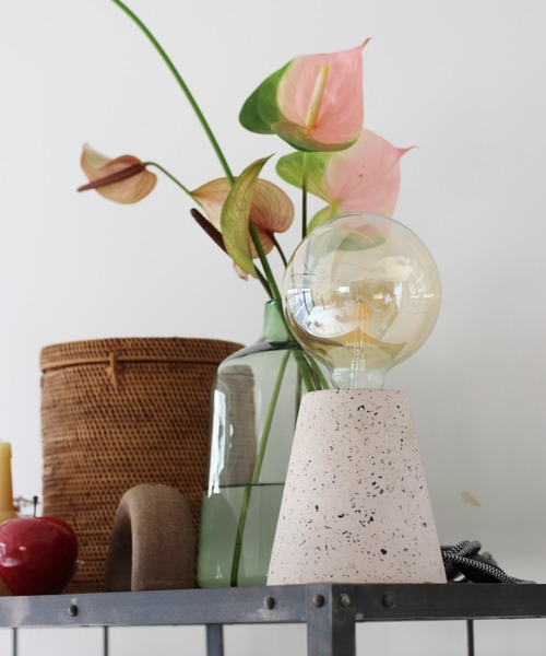 [JOURNAL STANDARD] VENICE TABLE LAMP cone