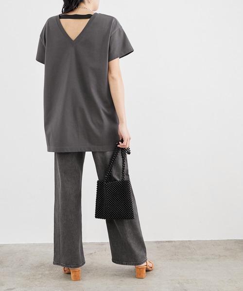 ブラックデニム×黒Tシャツコーデ
