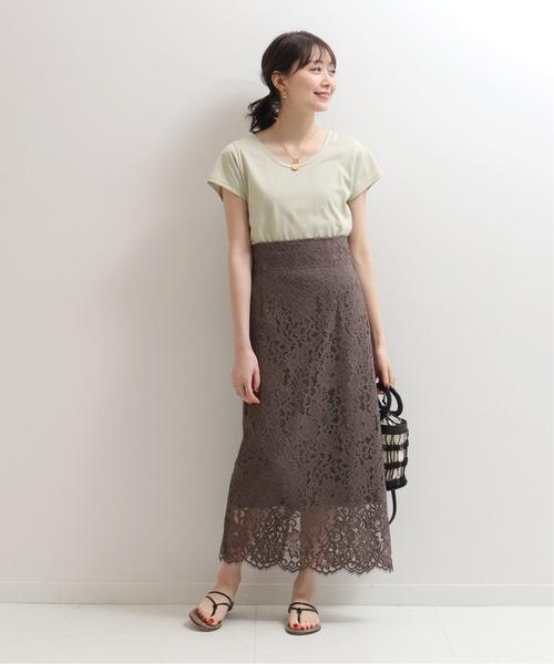 グリーン系Tシャツ×リバーレーススカート