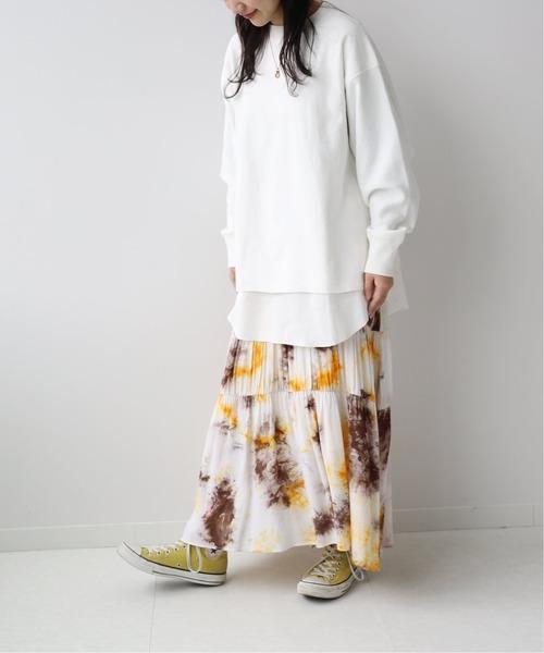 レイヤードスウェット×スカートの11月コーデ