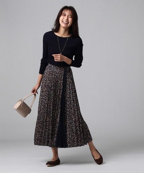 [UNTITLED] 【洗える】ヴィンテージ風フラワープリントプリーツスカート