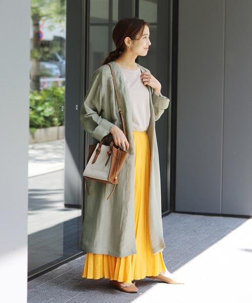 ガウンコート×マキシスカートの服装