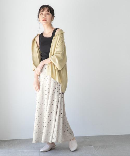 オーバーサイズシャツ×ドットロングスカート