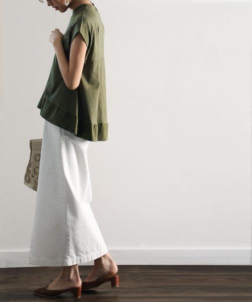 緑切り替えTシャツ+白スカートの夏コーデ