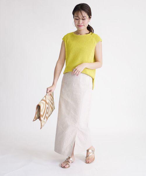 ノースリーブニット×ラップタイトスカート