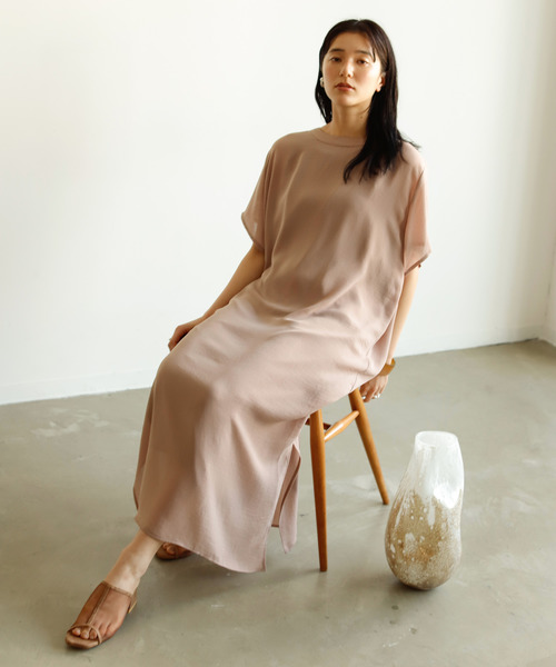 [Auntie Rosa] 【ファッションインフルエンサーmisato×VACANCY】バックスリットカフタンシアーワンピース