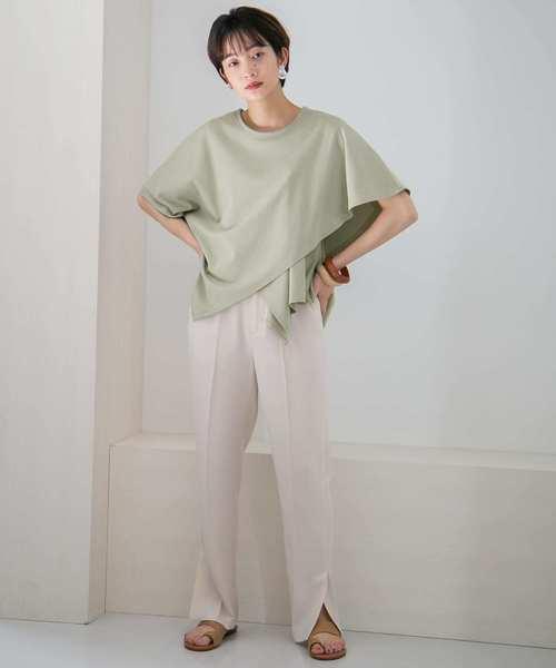 緑アシメTシャツ+スリットパンツの夏コーデ