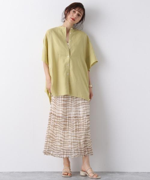 スタンドルーズシャツ×おしゃれスカート