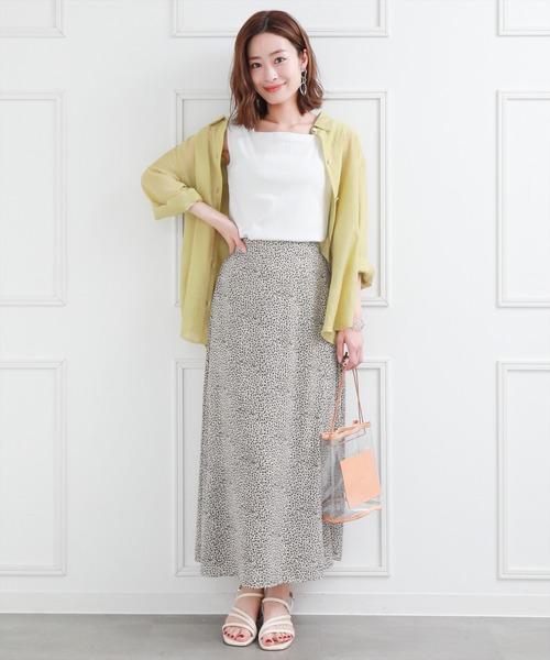 シースルーシャツ×プリントロングスカート