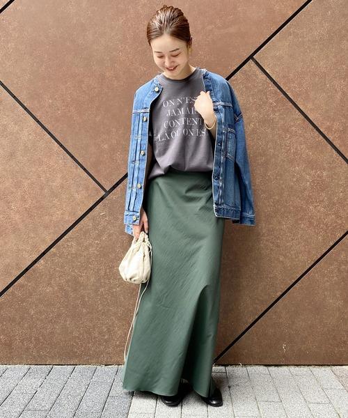 Tシャツ×Gジャン×スカートの秋コーデ