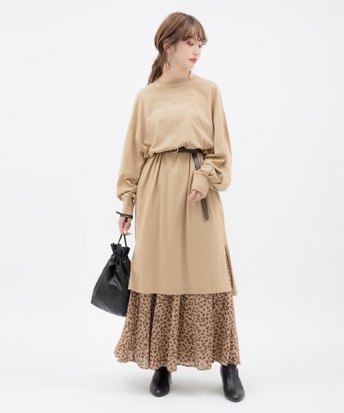 ボリューム袖ワンピ×スカートの服装