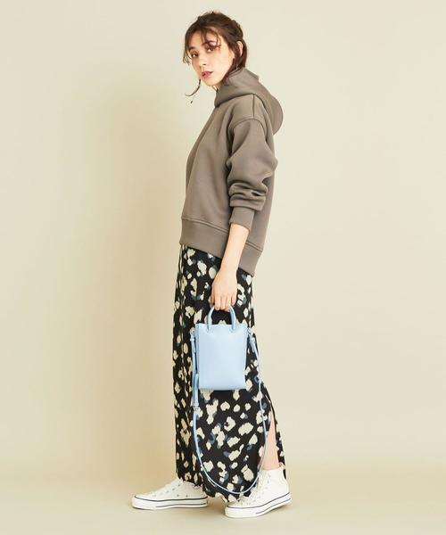 プルオーバー×柄スカートの11月コーデ