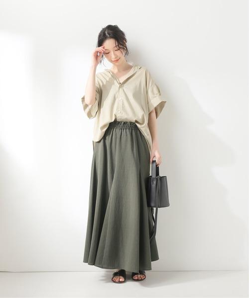 マキシスカート×半袖シャツコーデ